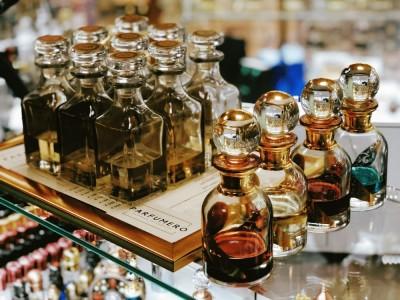 В чем отличие масляных духов от обычной парфюмерии